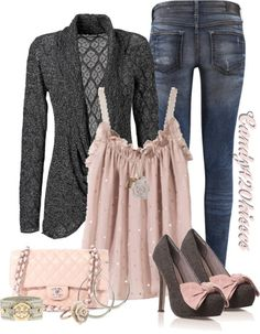 "The heels would have to be cited as the cause of death in my obit, but the rest of the outfit is wonderful! ""soft pink-jeans and heels"" Trend Fashion, Fashion Moda, Look Fashion, Winter Fashion, Fashion Outfits, Womens Fashion, Fashion 2018, Fashion Clothes, Looks Chic"