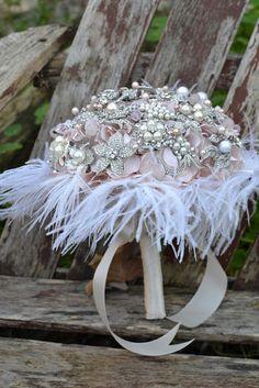 Vintage: Miranda Lambert's (Brooch) Bouquet   Simply Tale