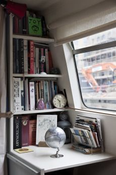65 Ideas Narrow Boats Interior Storage For 2019 Mini Loft, Small Space Living, Small Spaces, Tiny Living, Canal Boat Interior, Sailboat Interior, Barge Interior, Narrowboat Interiors, Narrowboat Kitchen