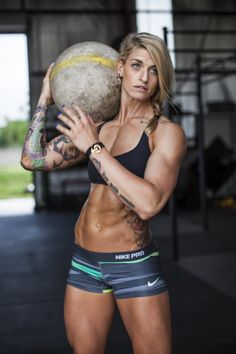 Every Monday we post a photo roundup of 30 hot CrossFit athletes, beautiful fit chicks, and sexy girls who lift because we all need to start our week with something positive! Description from breakparallel.com. I searched for this on bing.com/images