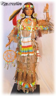 Native American--Barbie--luv it Native American Dolls, Native American Beauty, Native American Indians, Barbie Et Ken, Indian Dolls, Halloween Disfraces, Doll Repaint, Barbie Collection, Collector Dolls