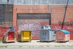 Artist Helps The Homeless By Turning Trash Into Mobile Homes - DesignTAXI.com