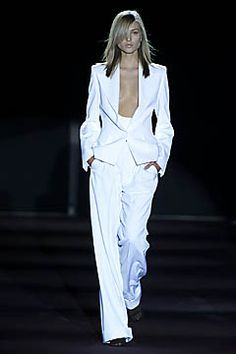 Saint Laurent - Spring 2001 Ready-to-Wear - Look 1 of 49