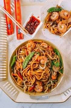 Shrimp Lo Mein Chinese Vegetables, Mixed Vegetables, Chinese Cabbage, Chinese Food, Lo Mein Noodles, Homemade Chili, Asian Recipes, Ethnic Recipes, Shrimp Recipes