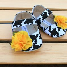 Christmas in July Baby Shoes Soft Soled by BitsyBlossom on Etsy, $30.00