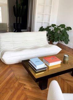 Interior Modern, Room Interior, Home Interior Design, Interior Architecture, Minimalist Interior, Aesthetic Room Decor, House Rooms, Apartment Living, Room Inspiration