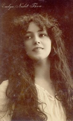 Florence Evelyn Nesbit (December 1884 – January known professionally as Evelyn Nesbit, was a popular American chorus girl, an artists' model, and an actress. Evelyn Nesbit, Gibson Girl, Pose, Silent Film, Classic Beauty, Timeless Beauty, Women In History, Vintage Pictures, Vintage Photographs