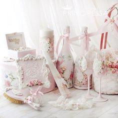 """Свадебный набор """"Нежный пион"""" выполнен на заказ. В набор входит: шкатулка для колец, коробка для конвертов круглая, расческа и зеркальце для невесты, свечи, шампанское, бокалы, комплект подвязок невесты, 3 корзинки для лепестков.  #свадебнаямода #свадебныесвечи #свадебныйдекор #свадебныебокалы #свадебныеукрашения #свадебныеаксессуары #свадебныеприглашения #бокалынасвадьбу"""