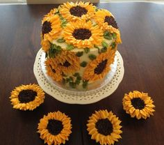 """Sunflowers cake add the """"for Amy"""" on it to make it a DW cake."""