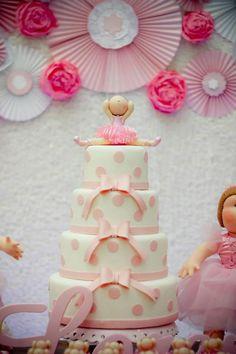Decoração de Bailarina com bolo de 4 níveis