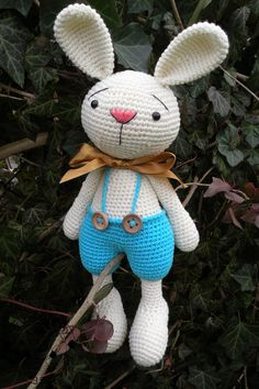 Pattern available on Etsy by MYCROCHETPRIVACY. Adorable Easter bunny