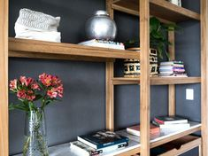 MESOPOTAMIA / BA 32 Living Pequeños, Muebles Living, Bookshelves, Playroom, Family Room, House Design, Simple, Bed, Furniture