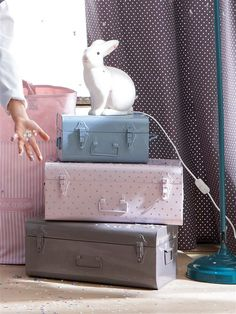 Storage trunks for kids' rooms. Pretty pastel hues