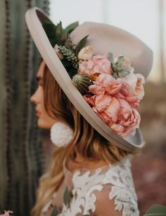 bohemian wedding look bride in grey boho hat decorated with pink flowers and des. bohemian wedding look bride in grey boho hat decorated with pink flowers and desert cactuses jordan Bridal Hat, Bridal Style, Bridal Gown, Wedding Hats, Boho Wedding, Bella Wedding, Whimsical Wedding, Wedding Bride, Wedding Desert