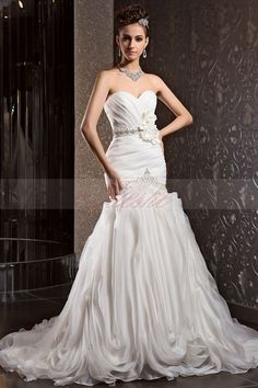 Sophisticated_Strapless_Trumpet_Organza_Wedding_Dress_with_Flowers_and_Ruffled_Skirt_JSWD0003_1
