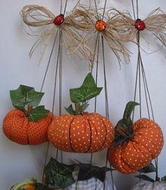 132174172_0_penca_de_mini_abGboras3 (238x274, 77Kb) Fabric Decor, Fabric Crafts, Sewing Crafts, Halloween Sewing, Halloween Crafts, Autumn Decorating, Fall Decor, Thanksgiving Decorations, Halloween Decorations