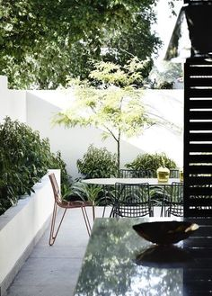 Terraced house patio garden ideas and terraced house patio garden ideas. See more ideas about Patio, Backyard and Outdoor gardens. Design Exterior, Patio Design, Garden Design, Terraced Patio Ideas, Terraced House, Outdoor Living Rooms, Patio Interior, Apartment Interior, Outdoor Areas