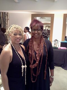 Sharon and Harriett Cole at Fashion Night out NYC.  What a wonderul time we had settinging up a gourmet tea bar for her event.  We met some great people and they enjoyed our tea.