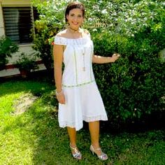 Catálogo de Vestidos Estilizados para Alquiler en Panamá. Fina colección para robar miradas y ser vista.
