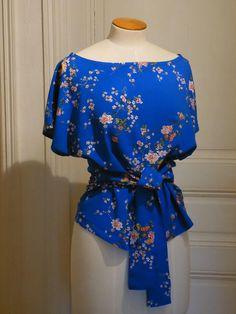 09bfe342326 Haut été femme bleu ou vert coton tissu japonais Fleurs de Bleu Électrique
