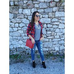 Ootd ✌ #miss_s_design #lookoftheday #handmadebag #red #boybox #bag #madeinBiH #bhproduct #fashion #autumn #outfit #style #trend #fashionista #trendy #stylish #wearit_loveit #ootd #potd #lotd #wearityourway ✌