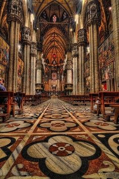 Filippo Sorcinelli: UNUM / LAVS – Parfümbűbáj Places Around The World, The Places Youll Go, Places To See, Around The Worlds, Beautiful Buildings, Beautiful Places, Beautiful Life, Milan Cathedral, Cathedral Basilica
