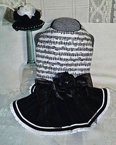 This size Small Handmade Harness Dress Outfit is another from my Black/White Collection. The bodice is made of quality White Cotton with Black