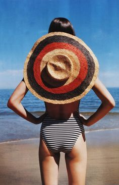 stripes and a big hat on the beach / Mexi-Cali / Vogue Spain Summer Of Love, Summer Time, Summer Hats, Summer Sun, Summer Story, Hello Summer, Happy Summer, Style Summer, Metallic Look