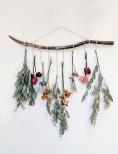 Make your own dried floral wall hanging using your leftover bouquets or seasonal. Make your own dried floral wall hanging using your leftover bouquets or seasonal flowers.Instead of a trendy wall tapest. Creative Wall Decor, Diy Wall Decor, Home Decor, Nursery Decor, Wall Decorations, Nursery Crafts, Plant Wall Decor, Bedroom Decor, Bohemian Wall Decor
