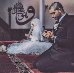 Halal Love ♡ ❤ ♡ Muslim Couple ♡ ❤ ♡ Marriage In Islam ♡ ❤ ♡. Cute Muslim Couples, Muslim Girls, Cute Couples, Muslim Wedding Dresses, Muslim Brides, Muslim Couple Photography, Wedding Photography, Wedding Couples, Wedding Photos