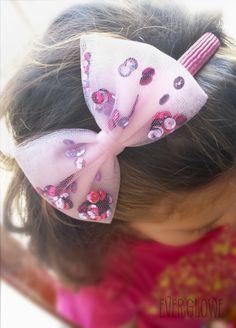 Sequin Tulle Bow Headband | Sequin Tulle Bow Headband! #handmade #tulle #sequin #sequins #bows #accessories #headband #everglowe Στέκα με Τούλινο Φιόγκο και παγιέτες! #τούλι #φιόγκος #φιόγκοι #everglowe