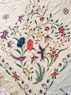Antigüedades: Mantón de Manila antiguo Imperio bordado a mano en fondo crudo de finales del s.XIX - Foto 4 - 90431394