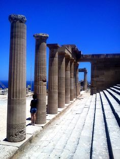 Lindos, Greece Ancient Ruins, Ancient Greece, Family Holiday Destinations, Greek Culture, Ancient Beauty, Greek Life, Brooklyn Bridge, Places To Visit, Wanderlust