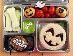 Cute Halloween Bento Box/Creepy Halloween Bento Box Cute Halloween PlanetBox Lunch for a Kindergartener Bento Box Lunch For Kids, Kids Lunch For School, Healthy Lunches For Kids, Lunch Snacks, Kids Meals, Lunch Kits, Cute Bento Boxes, Halloween Snacks For Kids, Healthy Halloween Treats