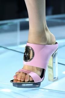 Versace Spring 2015 Ready-to-Wear - Details - Gallery - Style.com