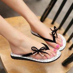 Bowknot Slippers Flat Flip-Flops Sandals - Oh Yours Fashion - 1 Women's Shoes, Buy Shoes, Me Too Shoes, Shoe Boots, Cute Flip Flops, Beach Flip Flops, Heeled Flip Flops, Flip Flop Shoes, Tong Cuir