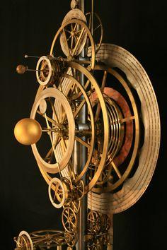 Horloge astronomique restaurée par Bodet en 2007, elle est aujourd'hui installée aux Arts et Métiers à Paris, France.