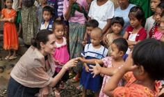Jolie urges Myanmar people to vote in landmark polls__