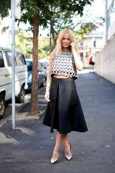 Model Lara Bingle at Australian Fashion Week - love the crop top with the single pleat skirt. Nye Outfits, Crop Top Outfits, Classy Outfits, White Fashion, Love Fashion, Lara Bingle, Moda Australiana, White Chic, Style Snaps