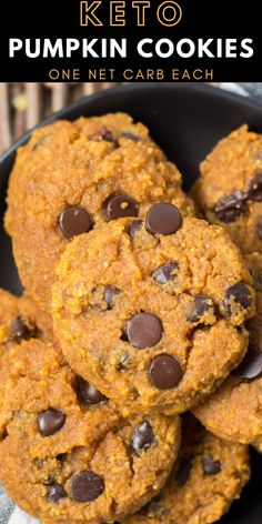 These Keto Pumpkin Chocolate Chip Cookies come to about one net carb each! The ultimate low carb Fall dessert! These Keto Pumpkin Chocolate Chip Cookies come to about one net carb each! The ultimate low carb Fall dessert! Healthy Low Carb Recipes, Low Carb Keto, Keto Recipes, Healthy Food, Dinner Recipes, Eating Healthy, Free Recipes, Soup Recipes, Dessert Recipes