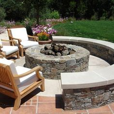 fire pit w/part seat opening. Nice idea for my hubs new fire pit