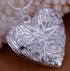 b68f3a767039 Beautiful silver plated heart locket pendant necklace. Size  3.1cm x 2.6cm  Metal  Silver Plated Length  18in snake chain