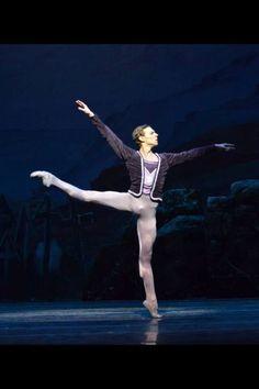 Richard Krusch | Carolina Ballet  (Raleigh, NC) Love. Never ever seen better feet - says another pinner
