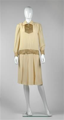 Dresses With Sleeves, Long Sleeve, Fashion, Moda, Full Sleeves, La Mode, Gowns With Sleeves, Fasion, Fashion Models