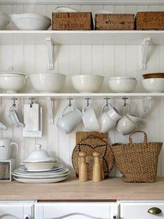 器の収納どうしてる美しくすっきりとさせるための食器棚ルール