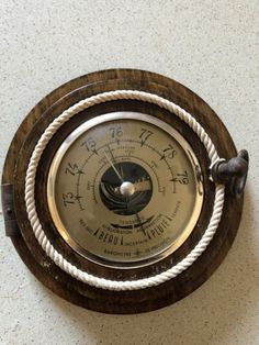 Barometru vechi,marinaresc,francez,din lemn,in forma de hublou foto mare