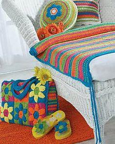 Free Crochet Pattern: Flower Power Beach Bag