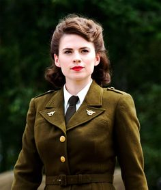 Agent Peggy Carter...I like her hairstyle! I actually think I can do this!
