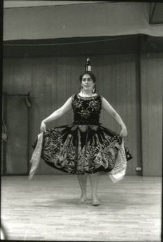 Mexican cultural dance :: Irwin Nash Images of Migrant Labor Digital Collection