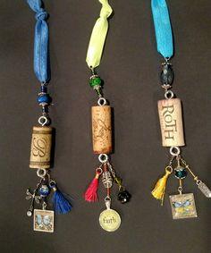 Cork Ideas, Ideas Prácticas, Craft Ideas, Cork Necklace, Necklaces, Wine Bottle Corks, Cork Crafts, Diy Things, Repurposing